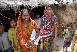 We could not possibly reach children in many communities without women vaccinators. F. Caillette/WHO