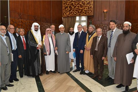Grand Imam of Al-Azhar receiving Muslim Scholars to discuss children rights to be protected by vaccination WHO/EMRO