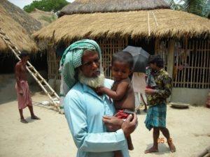 Grandfather and child. Kultali, West Bengal, India. Ananda Bandyopadhyay/Bill & Melinda Gates Foundation