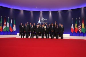 Heads of State of G8 countries at last week's Summit in Deauville: committed to urgently achieving a polio-free world C.Alix/France