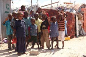 Children in Mogadishu greet vaccinators responding to a polio outbreak. WHO/T.Moran