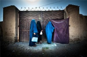 Female polio front-line workers hold the key to eradicating polio from Afghanistan. Able to speak woman to woman, they convince mothers to vaccinate their children. UNICEF/Afghanistan/2013/Agron Dragaj