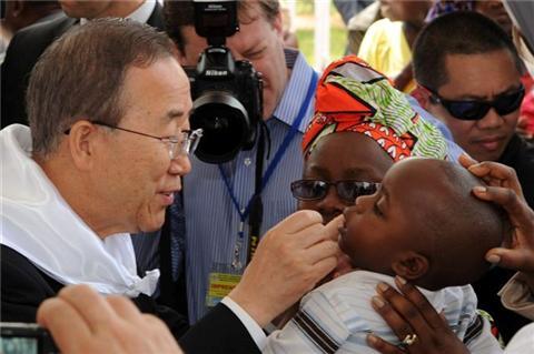 <EM>UN Secretary-General visits the polio-affected country </EM>