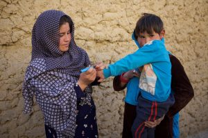 More than 31 000 trained polio workers have been chosen to work on campaigns because they are trusted by their communities and care about protecting children against polio. © WHO Afghanistan/R. Akbar.