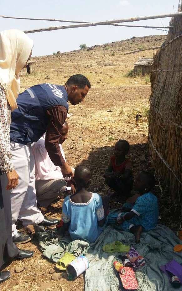WHO surveillance officers visit a village in a high-risk area to carry out an AFP case investigation. ©WHO Sudan