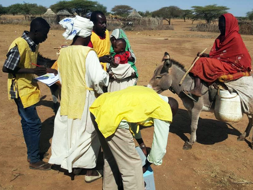 Polio vaccination at a border crossing. ©WHO Sudan