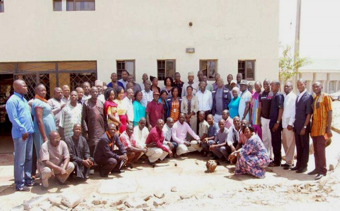 WHO staff gather with clinicians from the Jos University Teaching Hospital, Nigeria, after training them on active case search. © WHO Nigeria