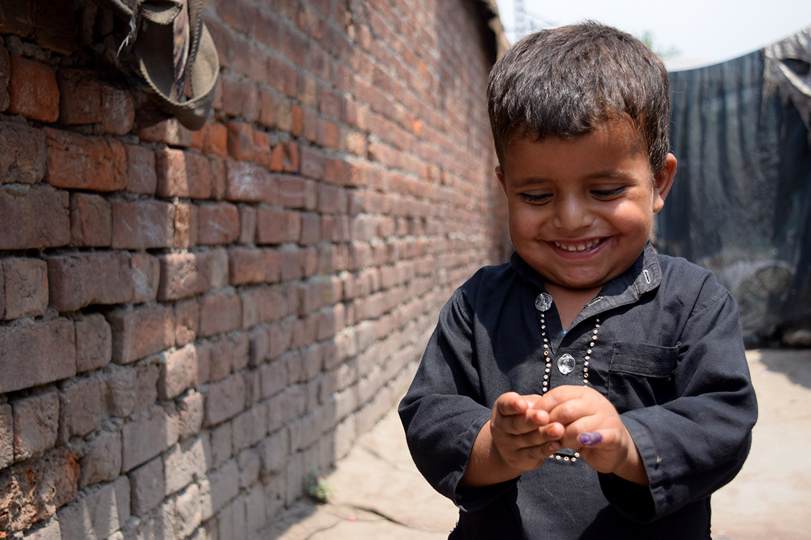 Vaccines ensure better health for all children. © Aman Khan/WHO Pakistan