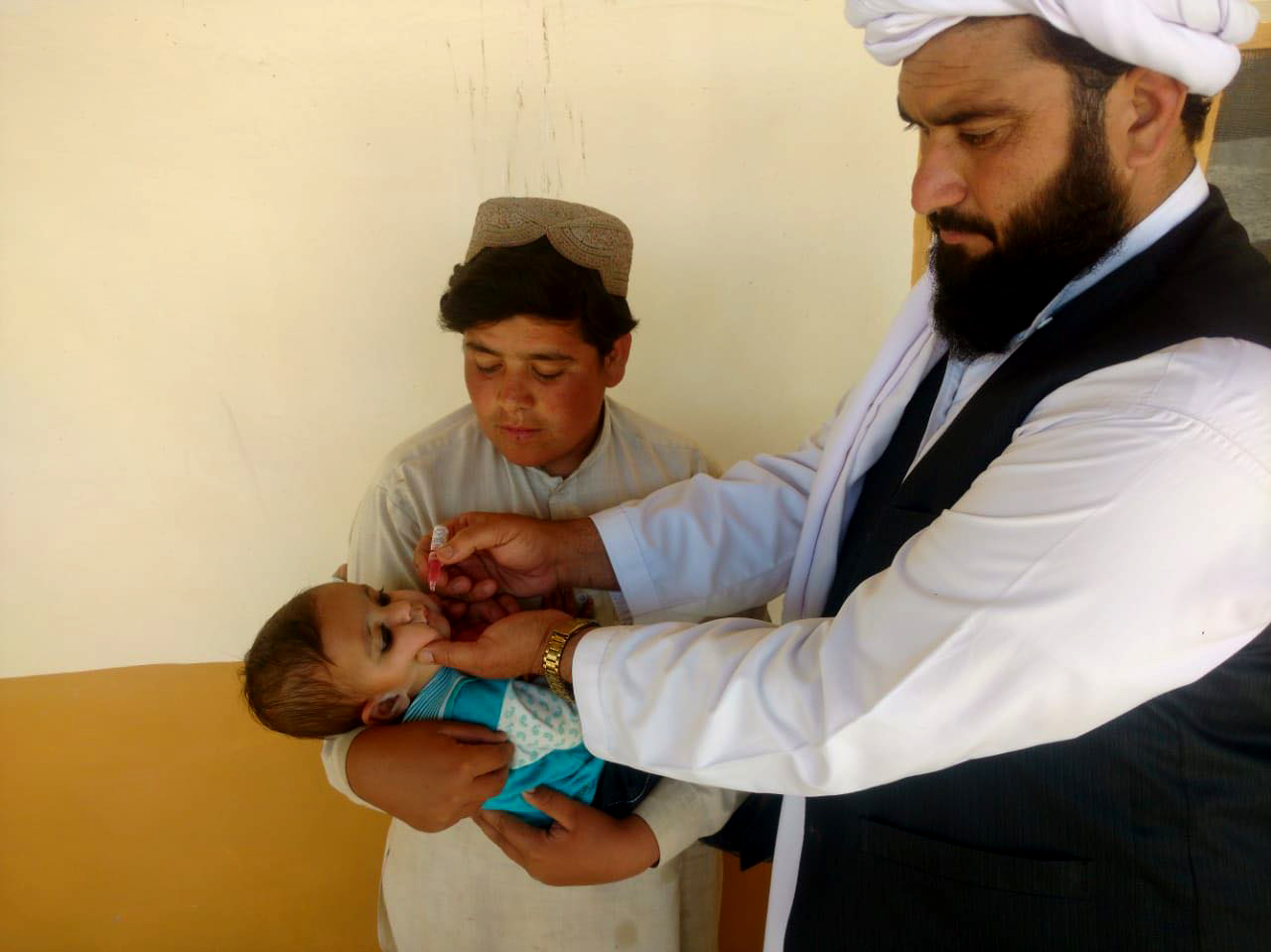 Since he joined the Provincial Scholars Task Force, there have been no polio cases in Molvi Hameedullah Hameedi's district. © D. Khan