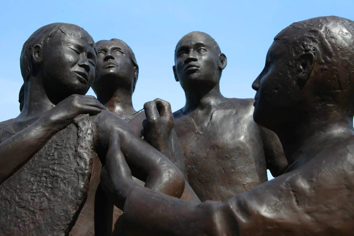 The smallpox statue in front of the WHO was erected to commemorate the 30th anniversary of the eradication of smallpox. © WHO/J. Hoffman 2010