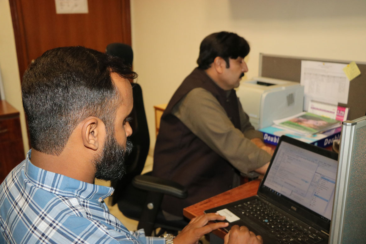 Using data to inform decisions— polio eradication is an organized fight against the disease. © Sadaf Kashif.