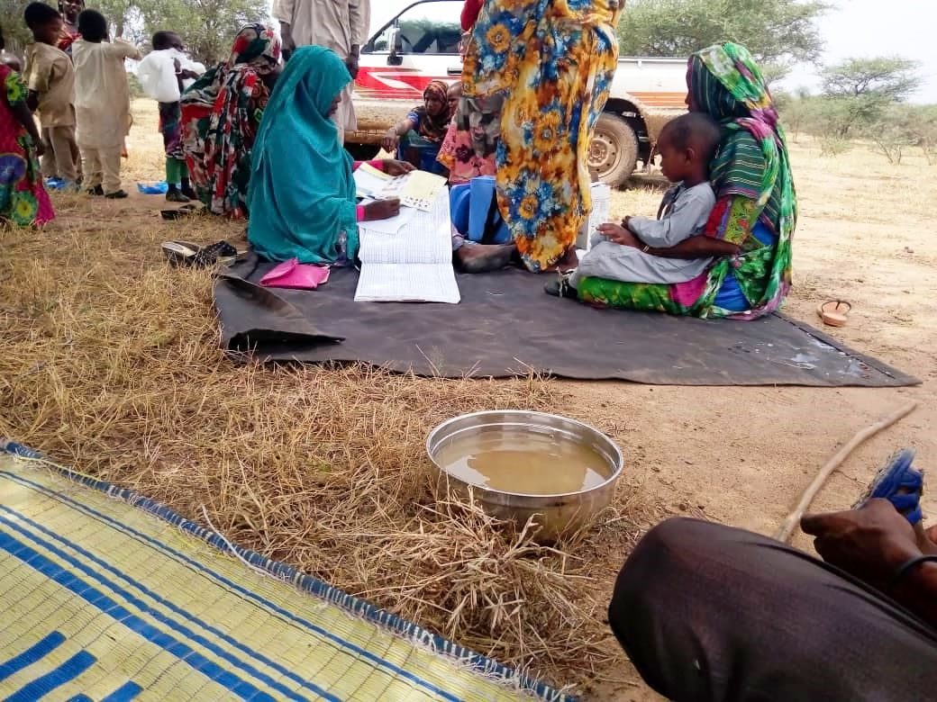 A mobile vaccination team provides polio immunization to nomadic communities during the accelerated immunization campaign in October 2019 in Rehaid locality, on the border of Sudan and CAR. ©WHO/Sudan
